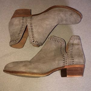 Luck Brand booties taupe/gray 7.5